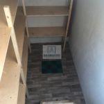 Стеллажи внутри погреба Волжанин 3